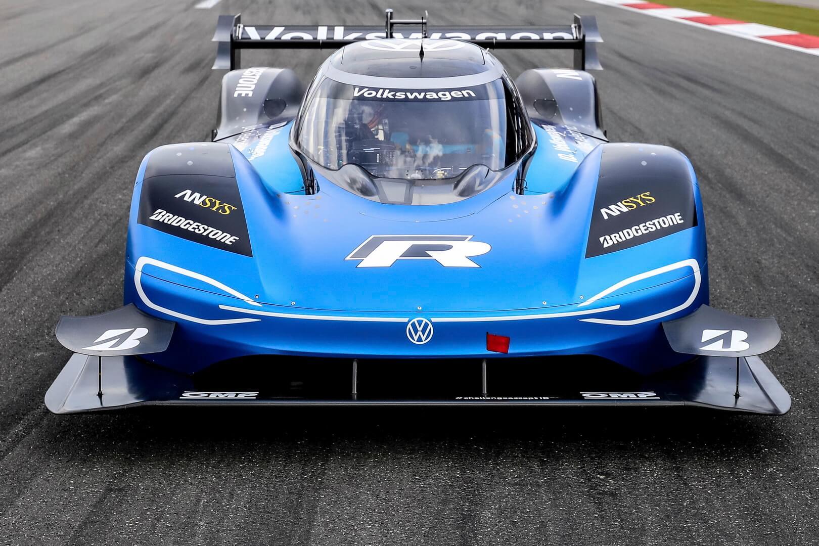 Volkswagen ID.R побил 20-летний рекорд фестиваля в Гудвуде