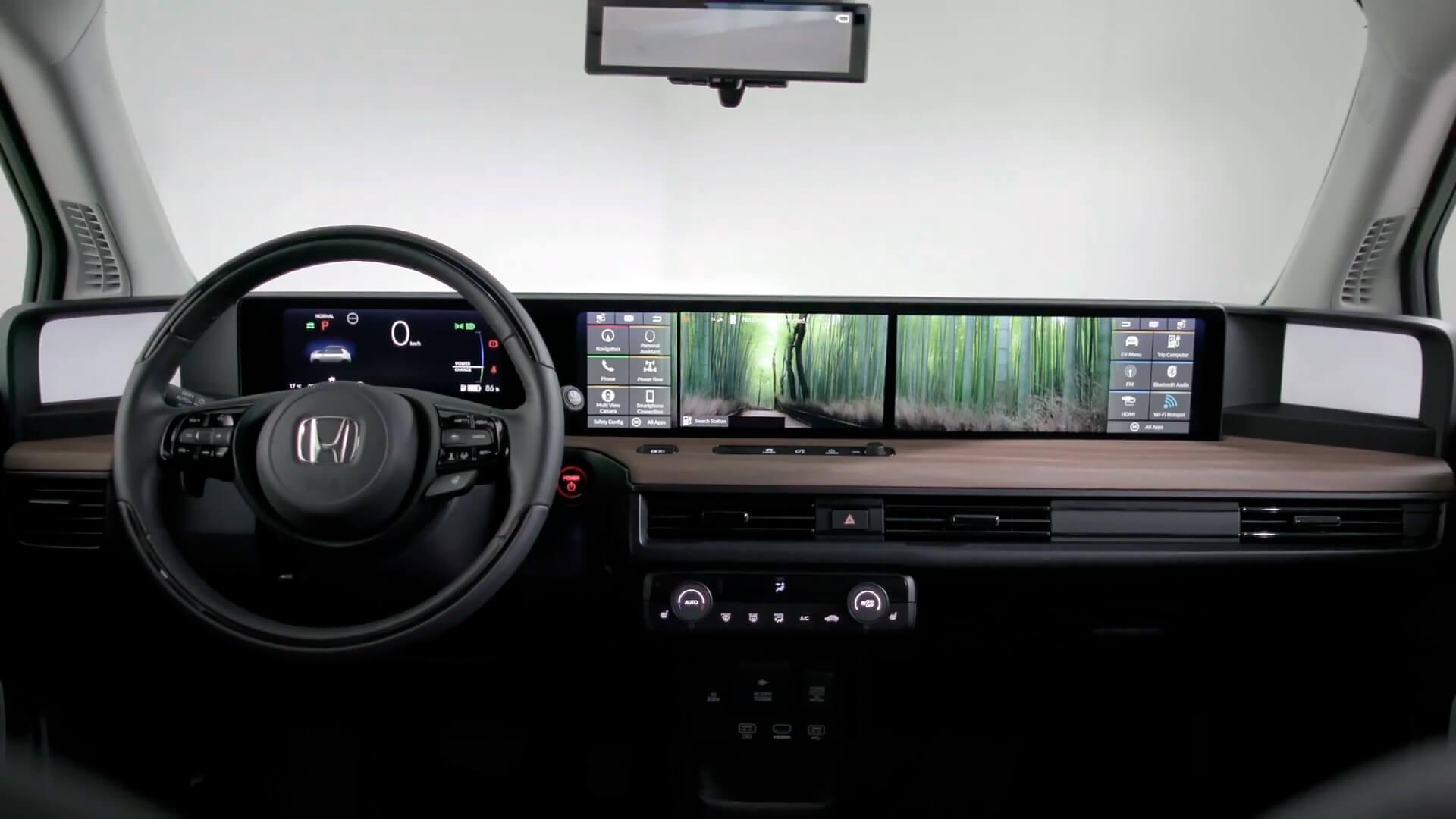 Интерьер электромобиля Honda e