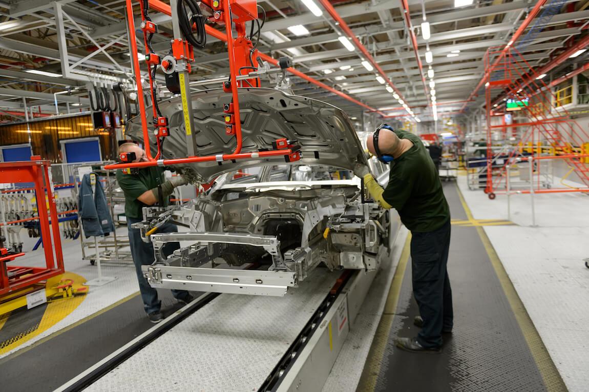 Производство электромобилей в Великобритании является следующим шагом в стратегии электрификации Jaguar Land Rover