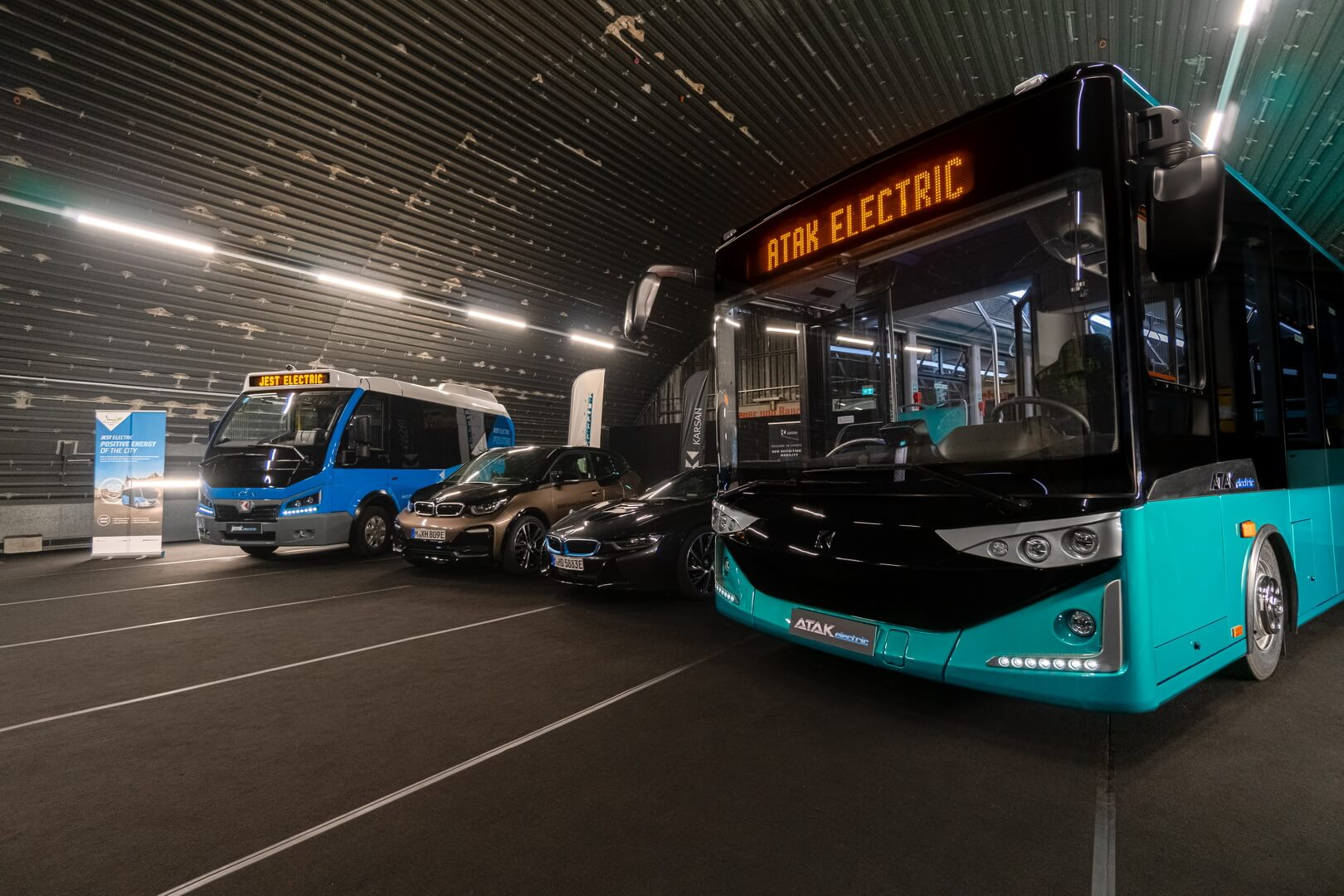 Электрические Jest Electric, BMW i3, BMW i8 PHEV и Atak Electric
