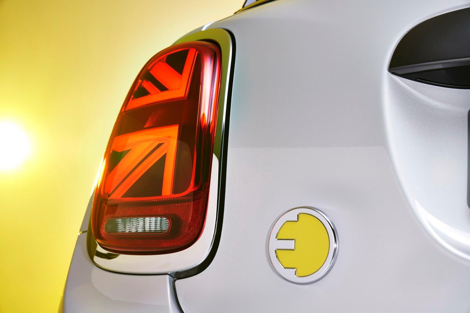 Фотография экоавто MINI Cooper SE - фото 8