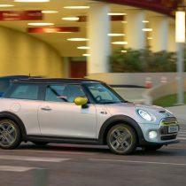 Фотография экоавто MINI Cooper SE - фото 21
