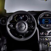 Фотография экоавто MINI Cooper SE - фото 32