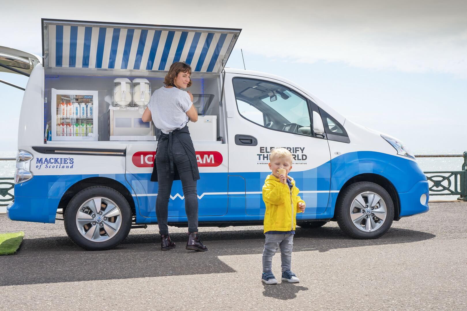 Электромобиль Nissan e-NV200 решил проблему продажи мороженого в Британии