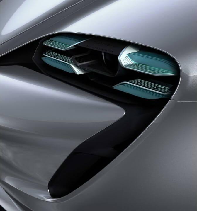 Четырехточечные дневные ходовые огни Porsche Taycan