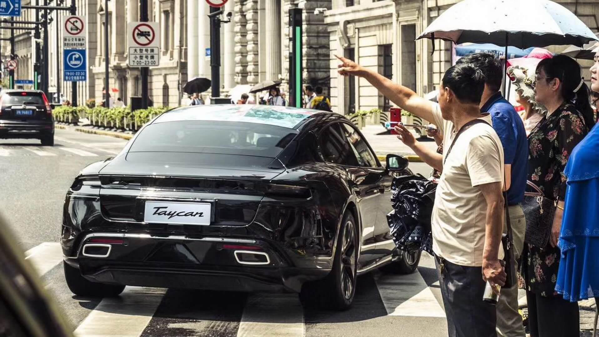 Porsche Taycan в Шанхае - фото 4