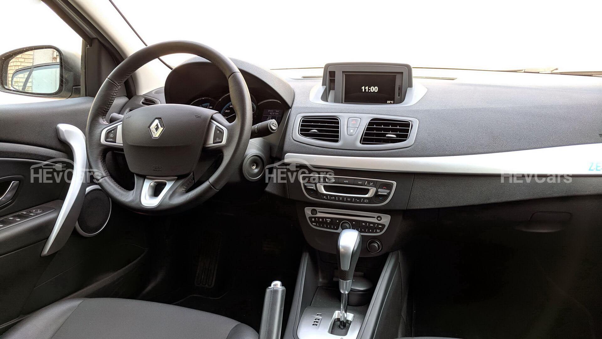 Интерьер электромобиля Renault Fluence Z.E.