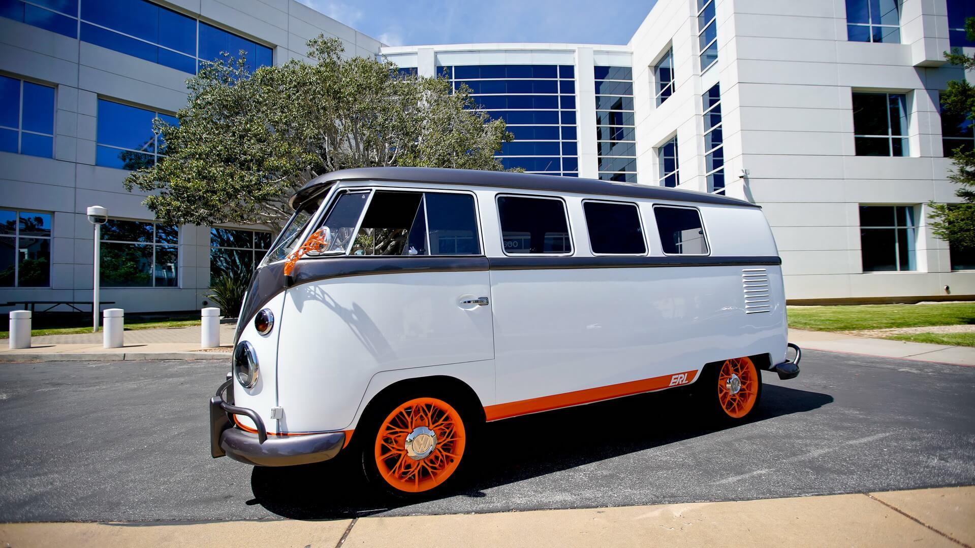 Культовый микроавтобус Volkswagen Type 2 переделали в электромобиль