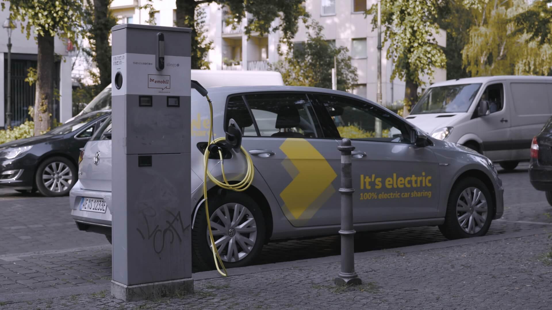 Зарядка электромобиля Volkswagen e-Golf