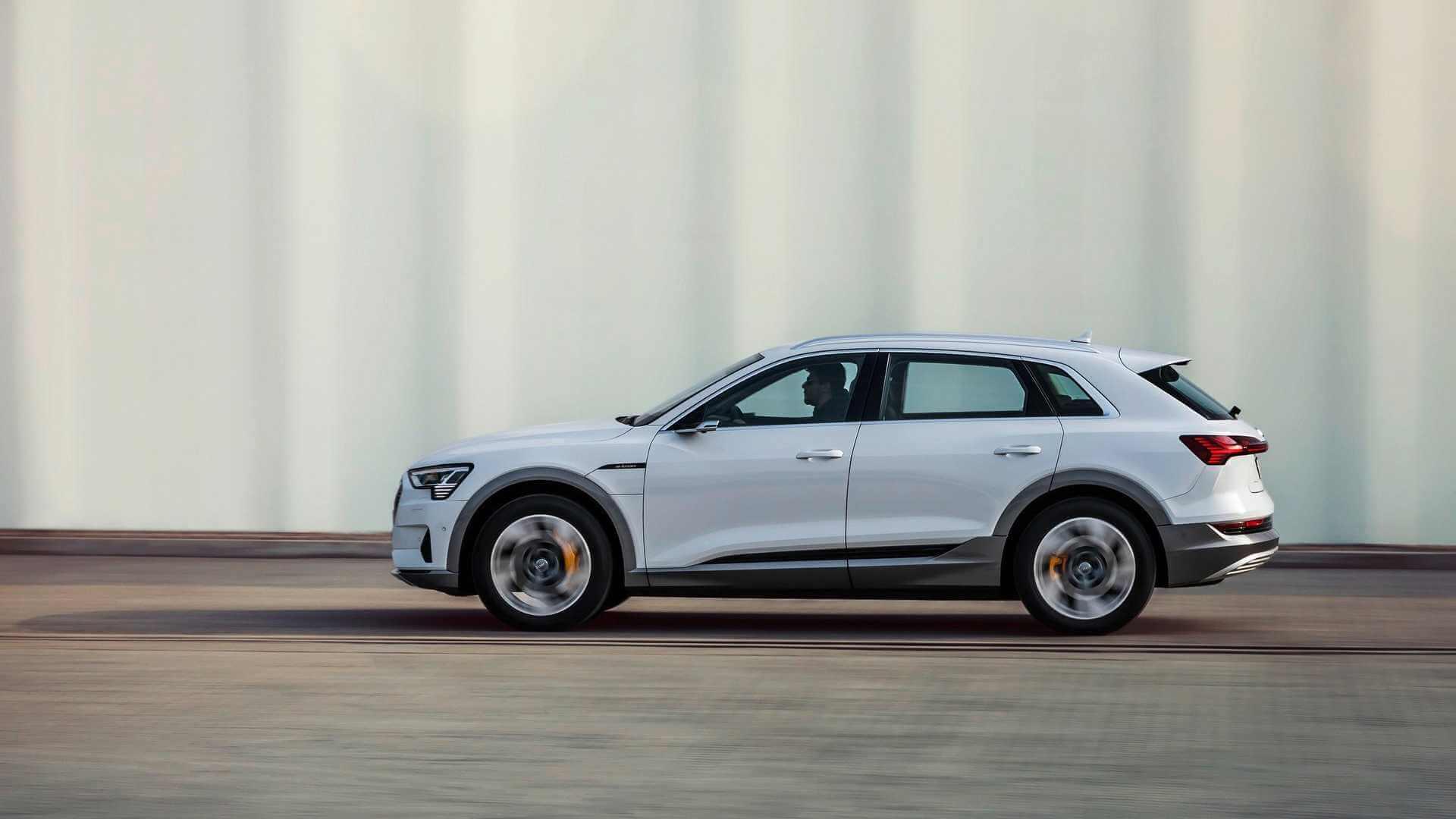 Фотография экоавто Audi e-tron 50 quattro - фото 11