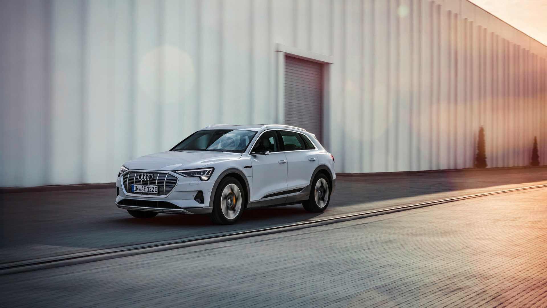 Фотография экоавто Audi e-tron 50 quattro - фото 10
