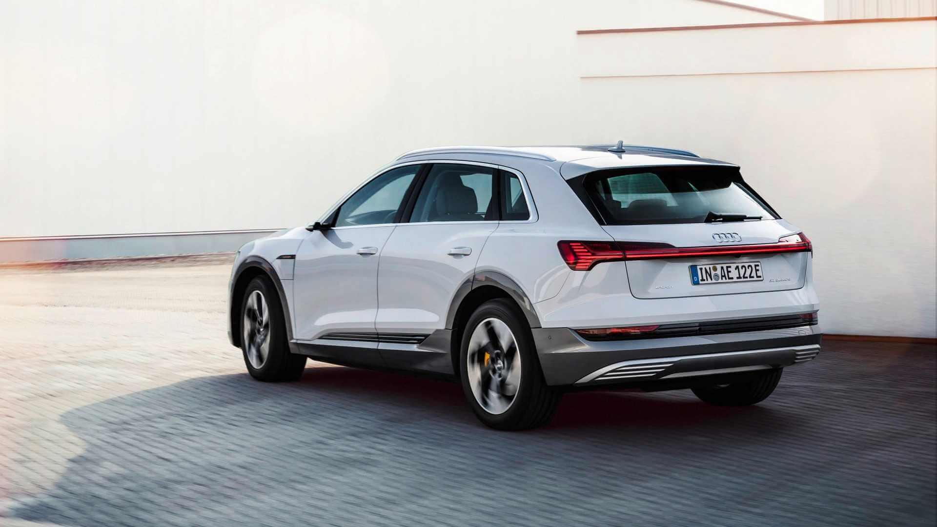 Электрокроссовер Audi e-tron 50 quattro