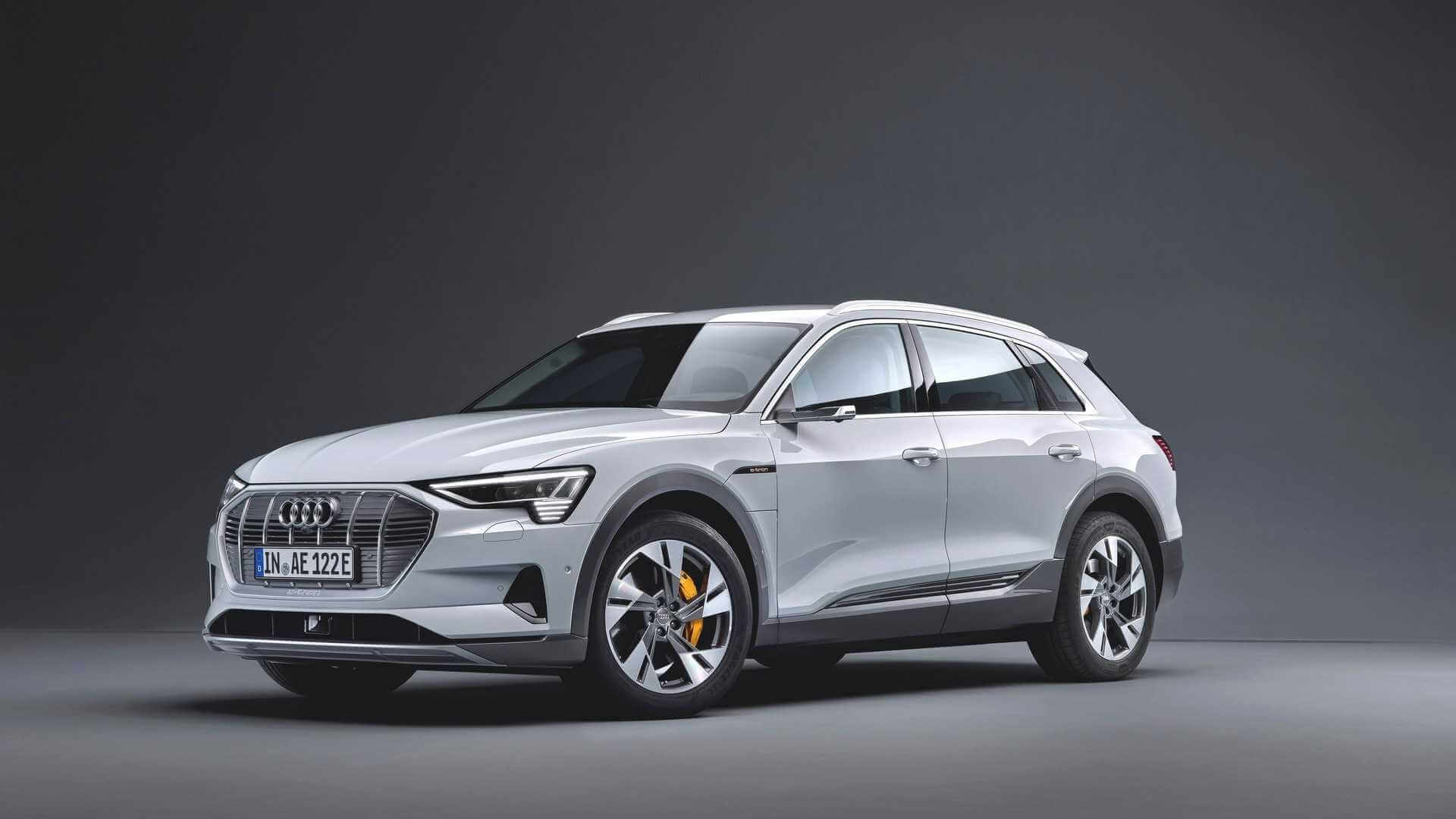 Audi представила более «дешевый» электрический кроссовер e-tron 50quattro сменьшим аккумулятором