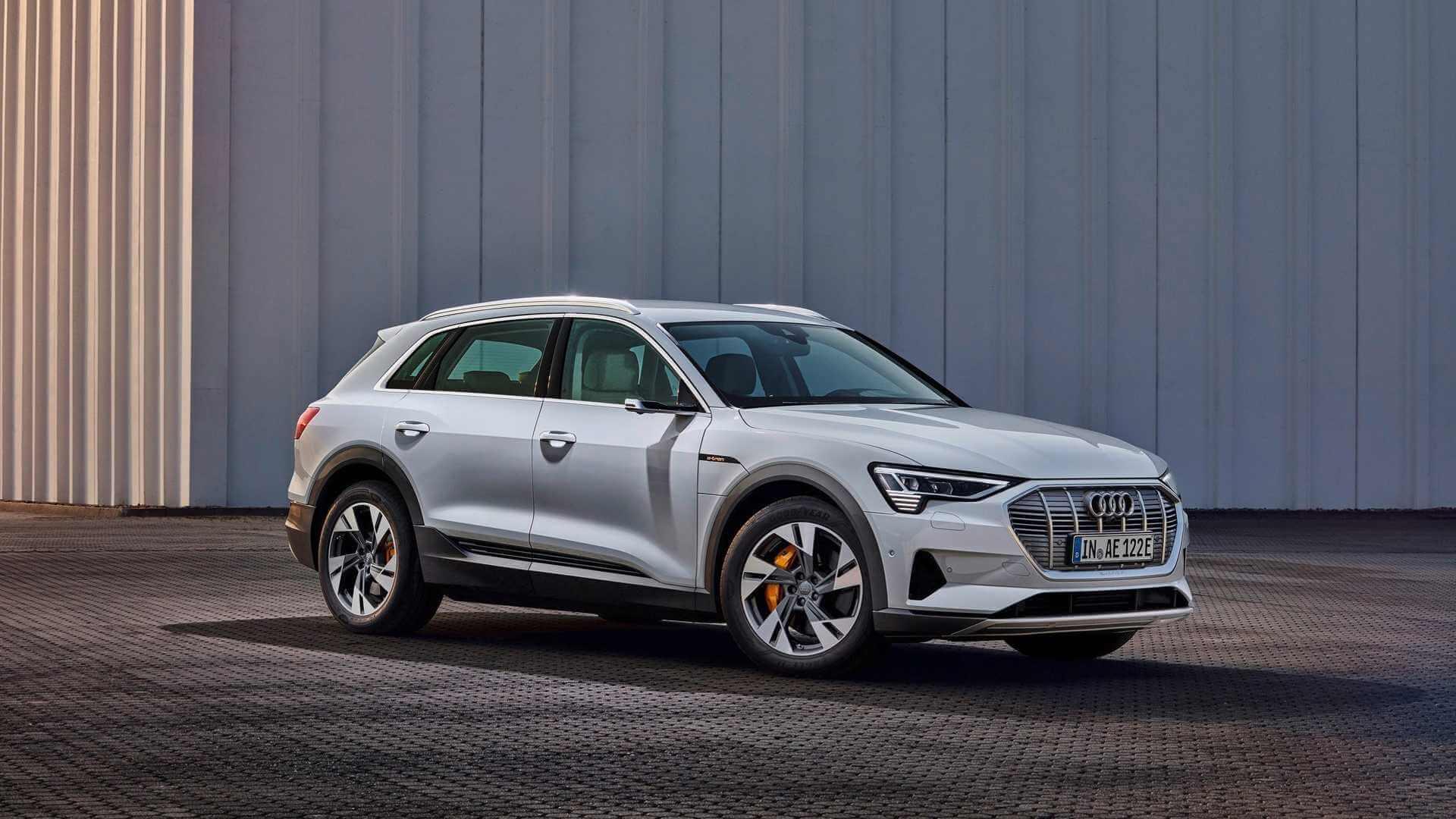 Фотография экоавто Audi e-tron 50 quattro - фото 3