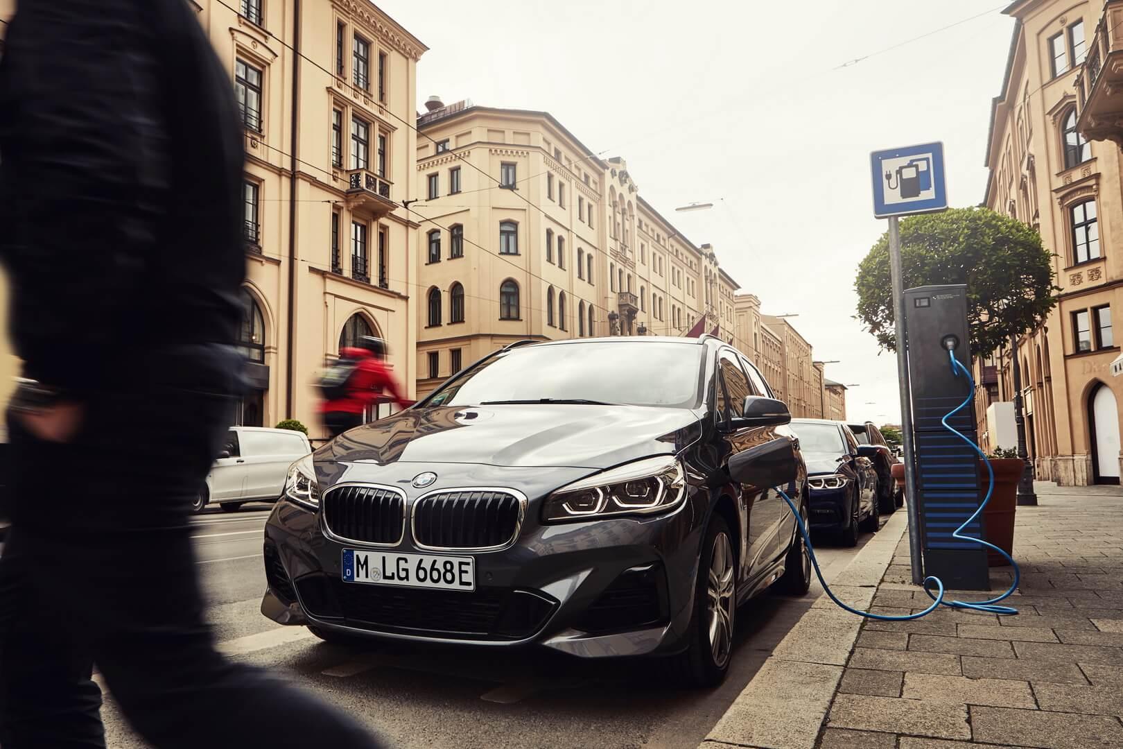 Фотография экоавто BMW 225xe Active Tourer 2019 - фото 2