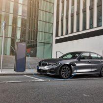 Фотография экоавто BMW 330e 2019 - фото 13