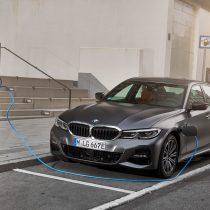 Фотография экоавто BMW 330e 2019 - фото 12