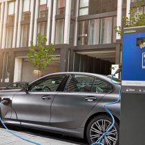 Фотография экоавто BMW 330e 2019 - фото 16