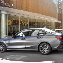 Фотография экоавто BMW 330e 2019 - фото 21