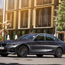 Фотография экоавто BMW 330e 2019 - фото 25