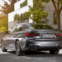 Фотография экоавто BMW 330e 2019 - фото 23