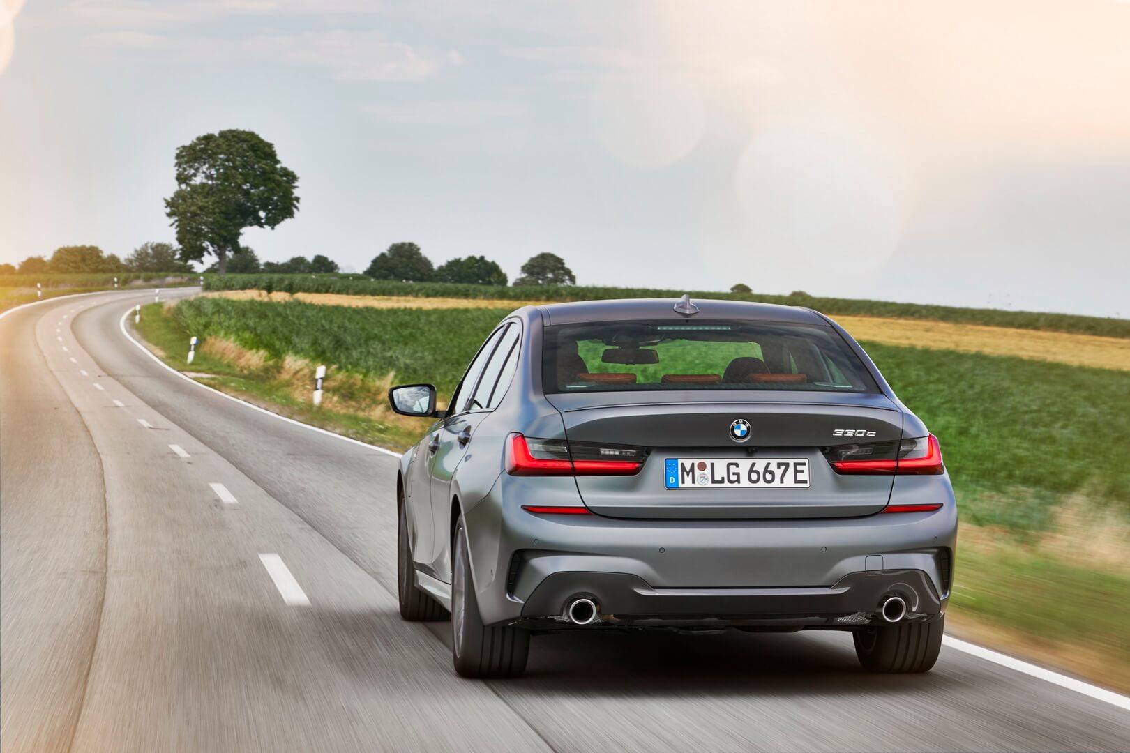 Фотография экоавто BMW 330e 2019 - фото 30