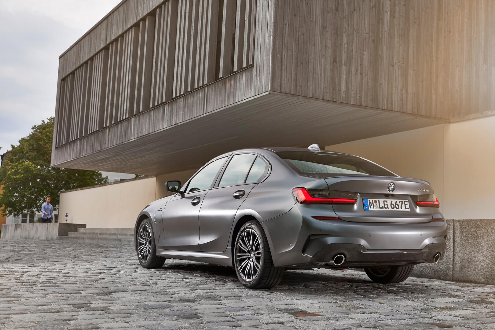 Фотография экоавто BMW 330e 2019 - фото 31