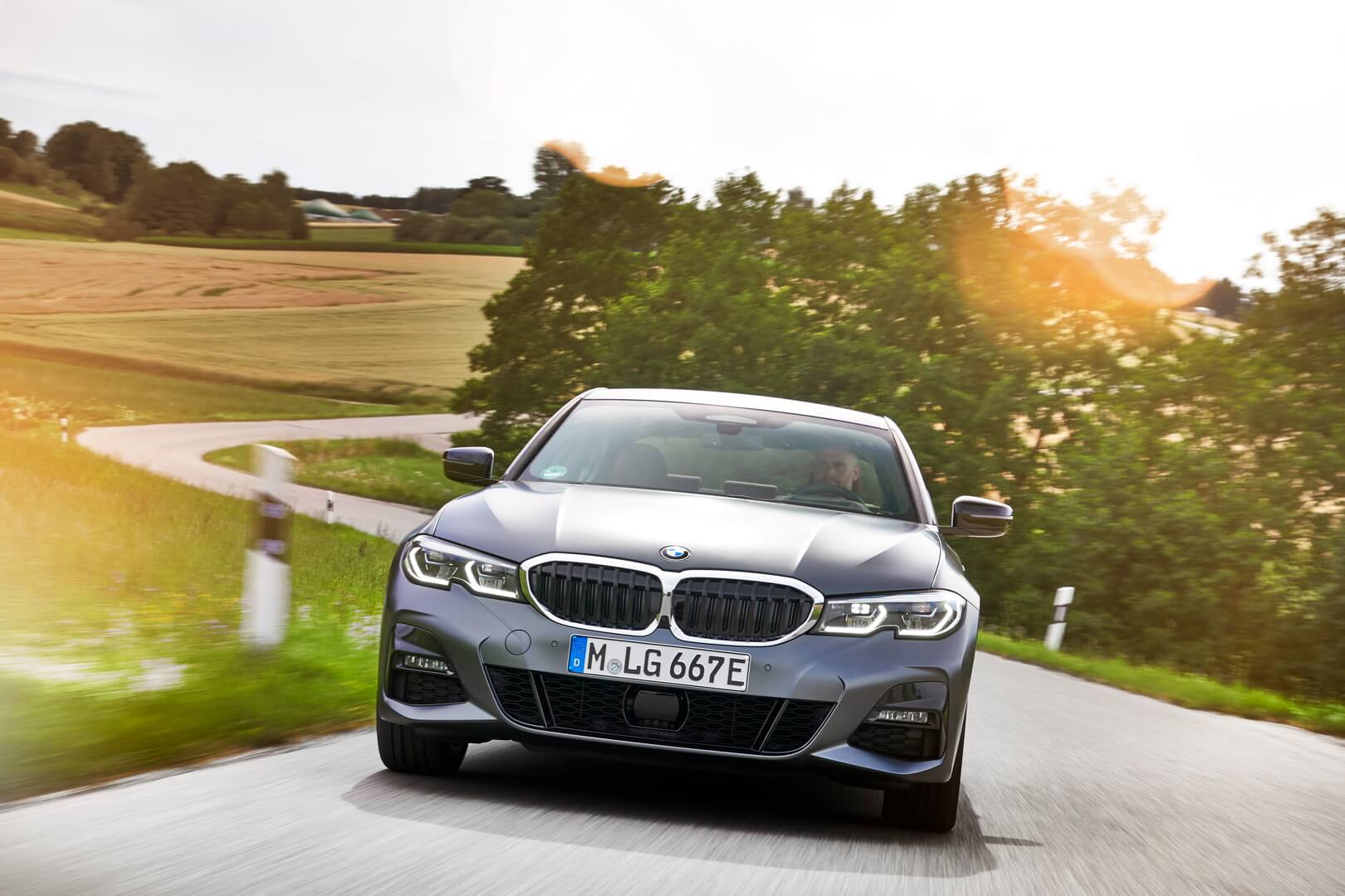 Фотография экоавто BMW 330e 2019 - фото 37