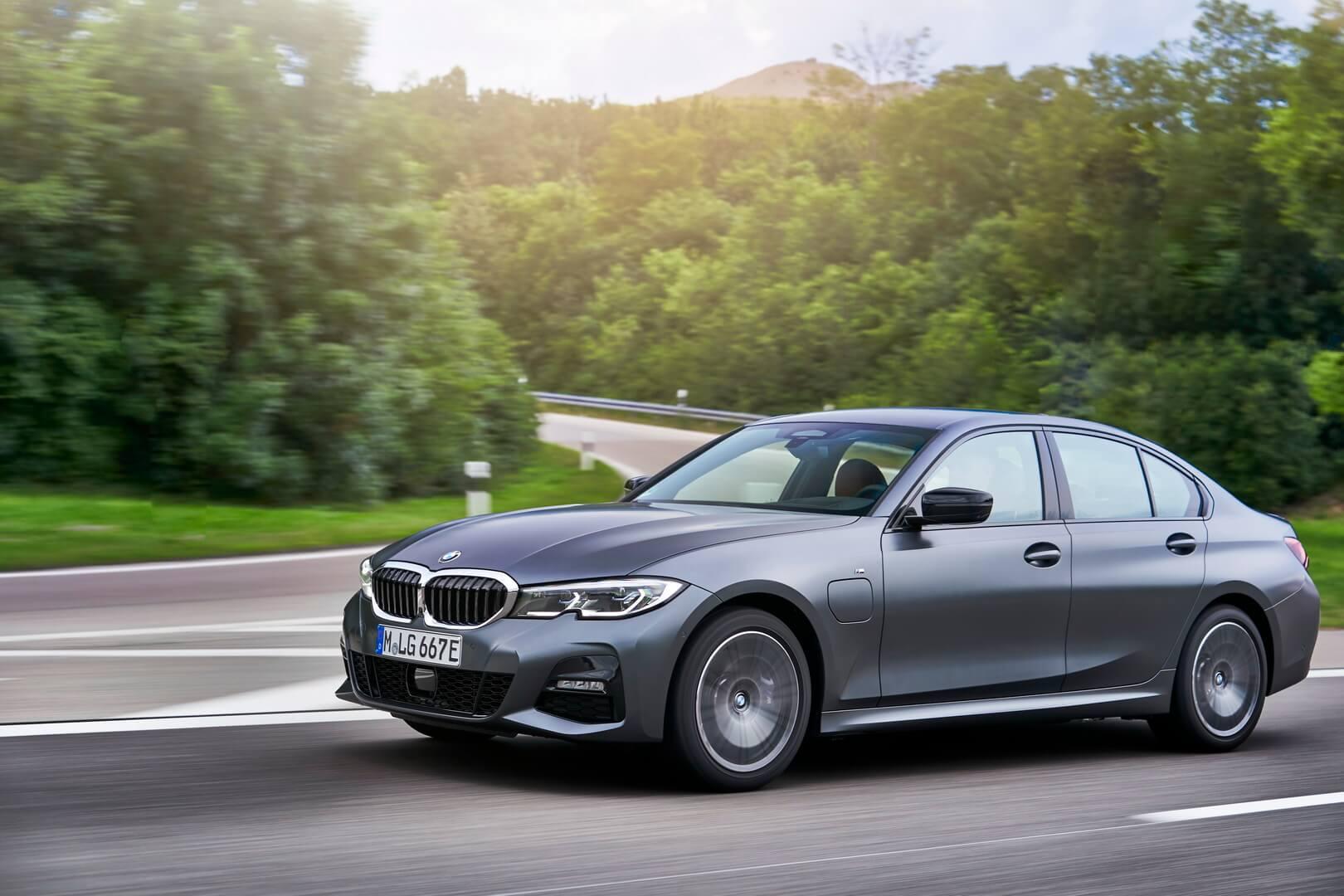 Фотография экоавто BMW 330e 2019 - фото 36