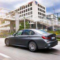 Фотография экоавто BMW 330e 2019 - фото 34