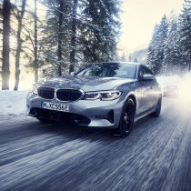 Фотография экоавто BMW 330e 2019 - фото 5