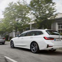 Фотография экоавто BMW 330e 2019 - фото 4
