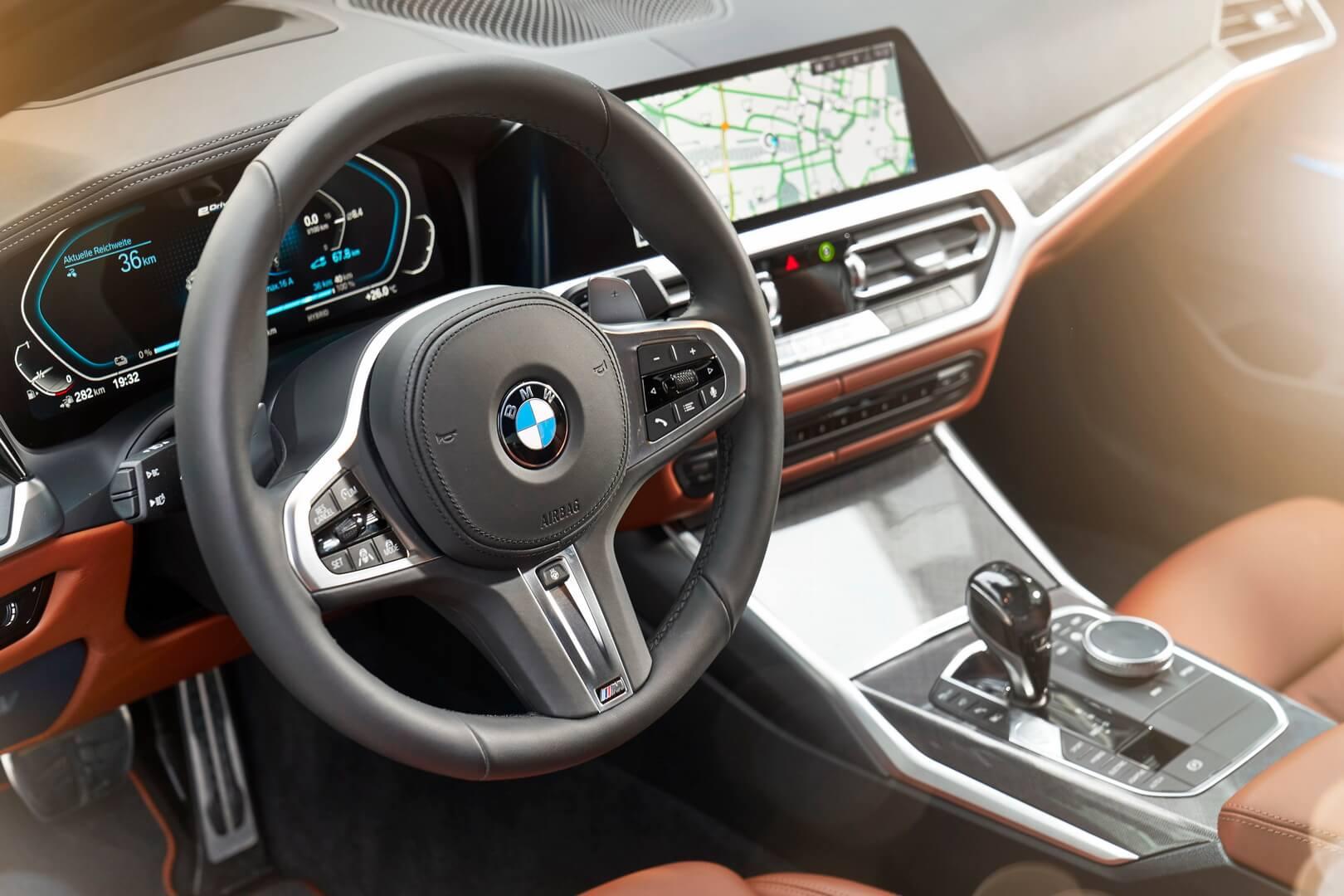 Фотография экоавто BMW 330e 2019 - фото 52