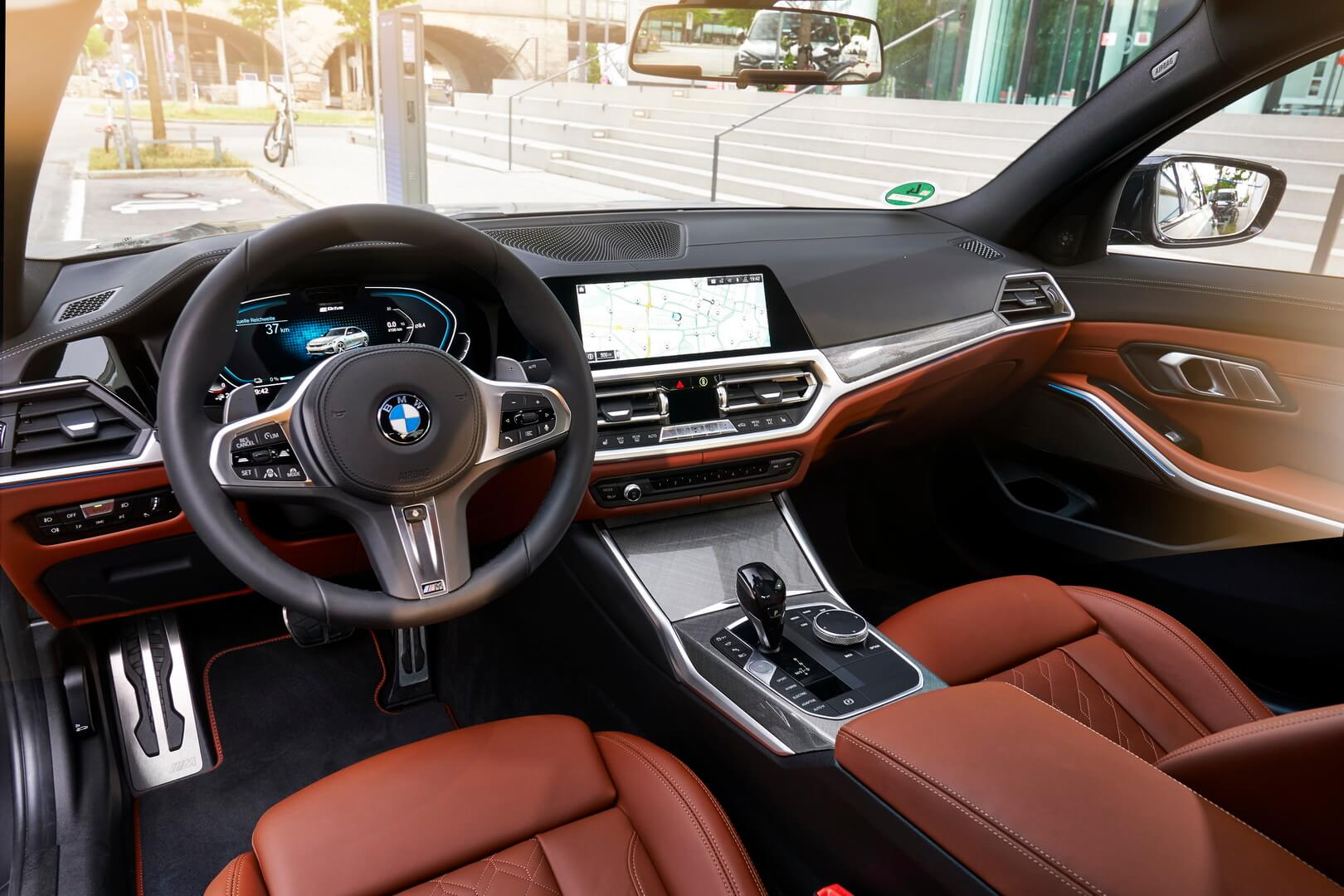 Фотография экоавто BMW 330e 2019 - фото 44