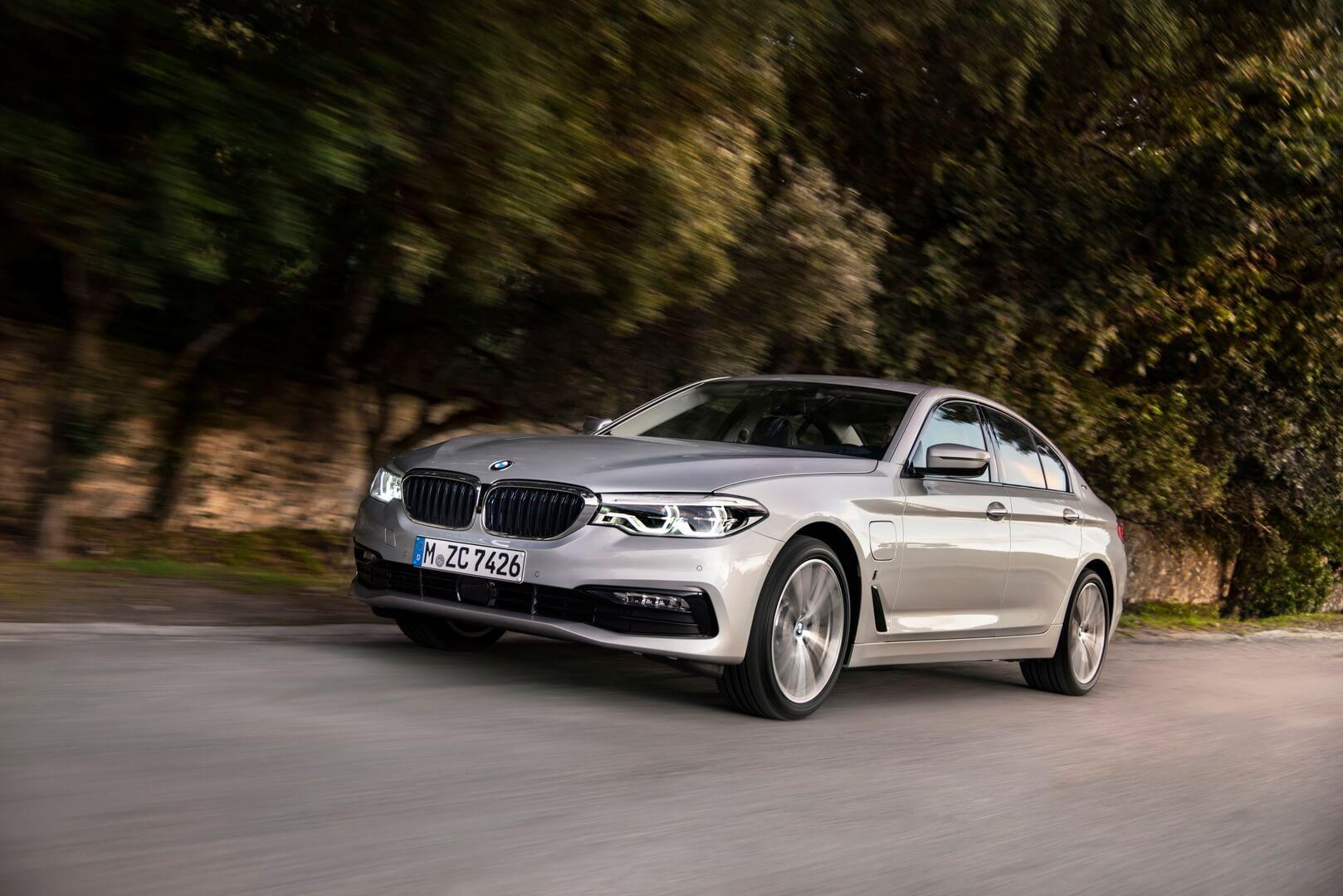 Фотография экоавто BMW 530e iPerformance - фото 18