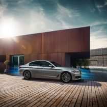 Фотография экоавто BMW 530e iPerformance - фото 15