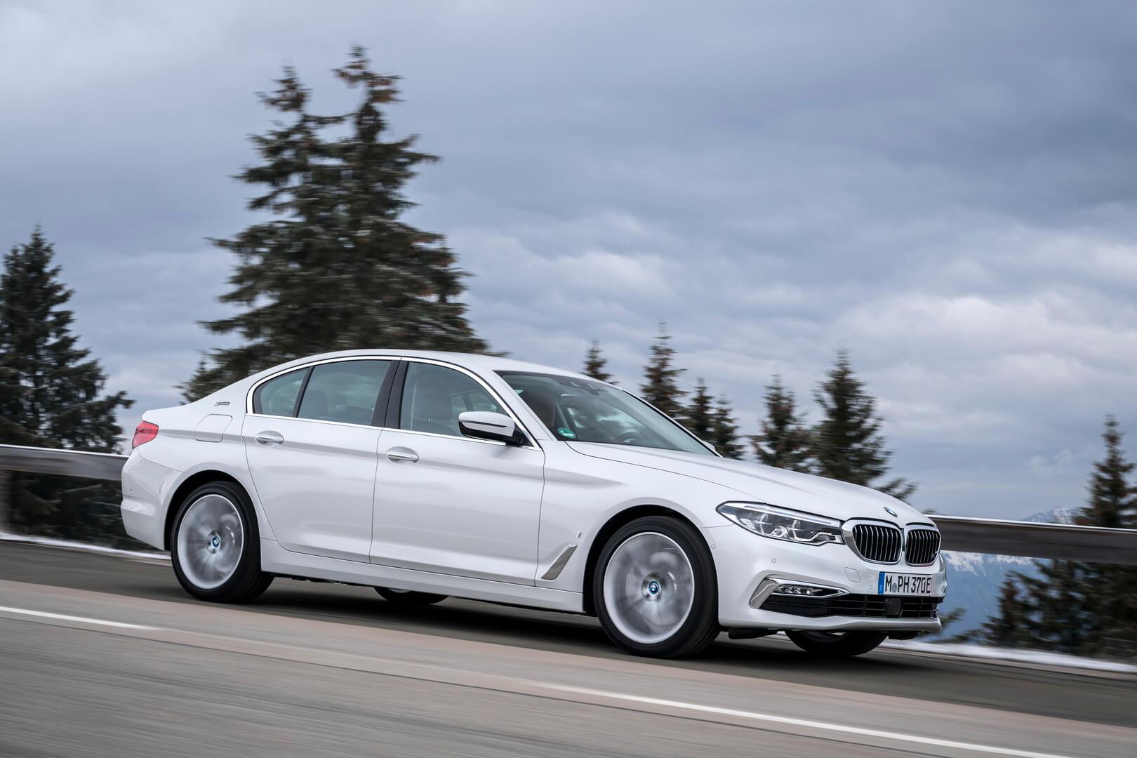 Фотография экоавто BMW 530e iPerformance - фото 8