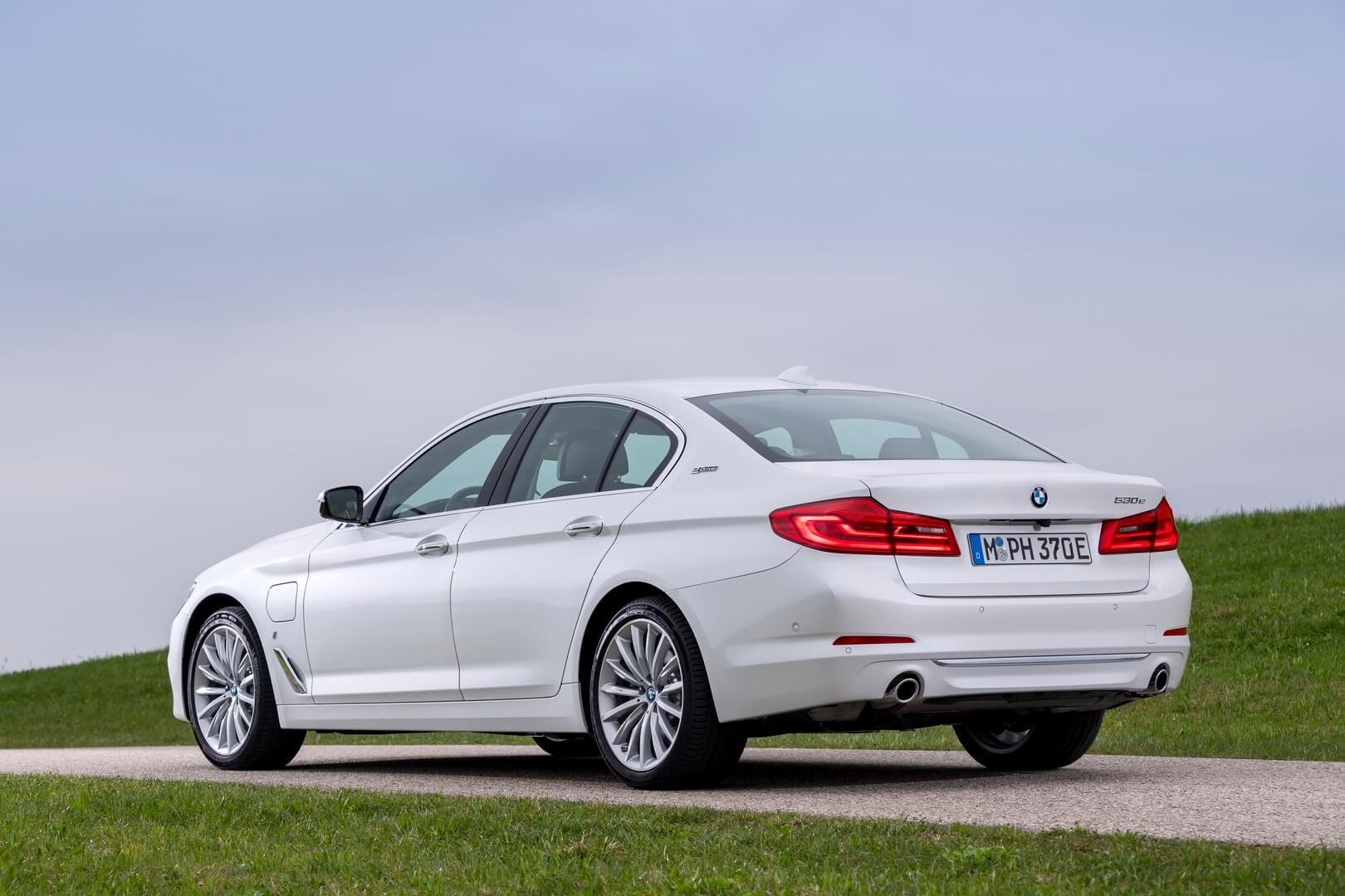 Фотография экоавто BMW 530e iPerformance - фото 7