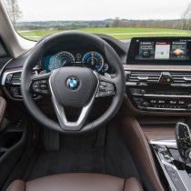 Фотография экоавто BMW 530e iPerformance - фото 30