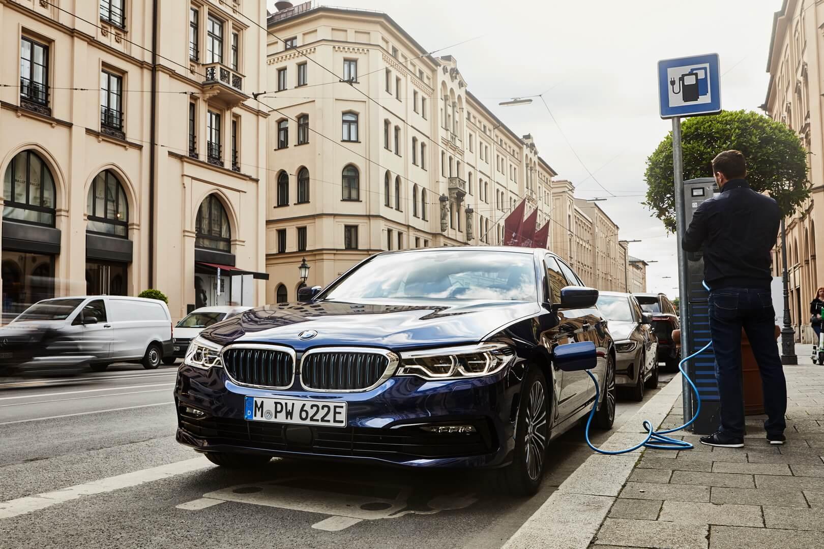Фотография экоавто BMW 530e 2019