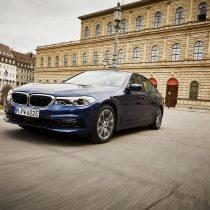 Фотография экоавто BMW 530e 2019 - фото 2