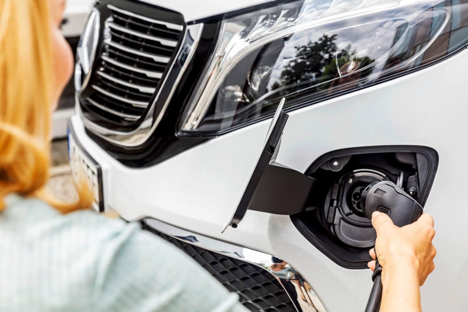 Фотография экоавто Mercedes-Benz EQV - фото 15