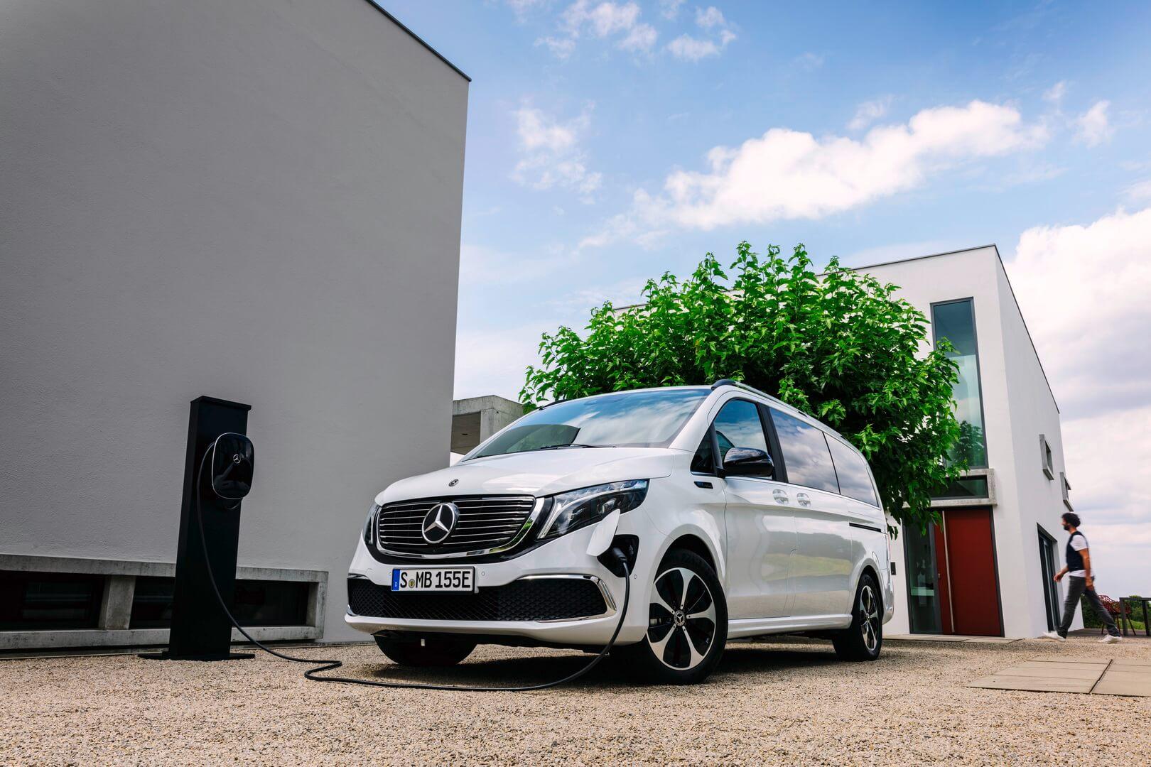 Mercedes-Benz презентовал премиальный электрофургон EQV с запасом хода 405 км