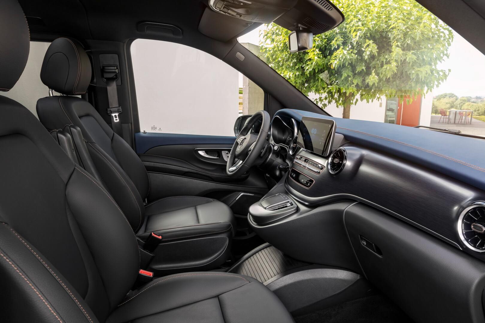 Передний ряд сидений Mercedes-Benz EQV