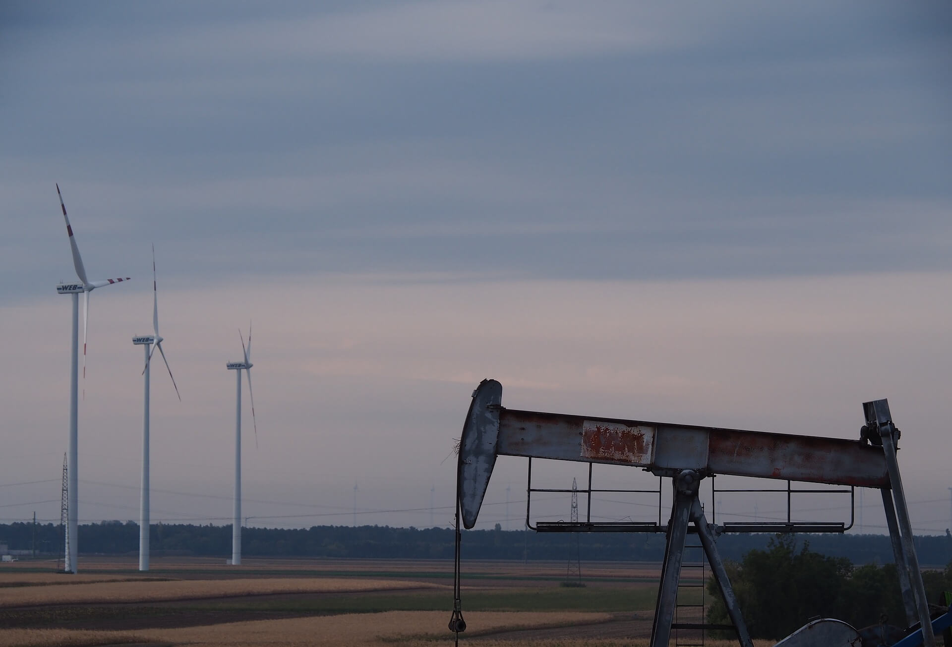 Экономика возобновляемых источников энергии неможет конкурировать снефтью, если рассматривать еенапротяжении всего цикла