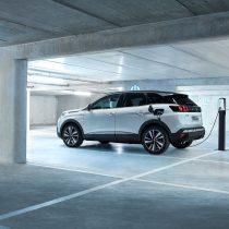 Фотография экоавто Peugeot 3008 Hybrid4