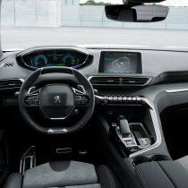 Фотография экоавто Peugeot 3008 Hybrid4 - фото 5