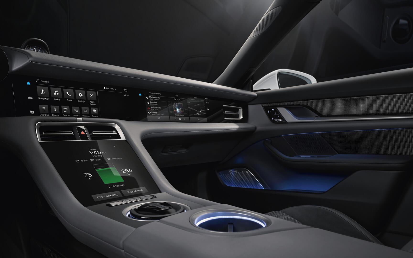 Центральные дисплеи электромобиля Porsche Taycan