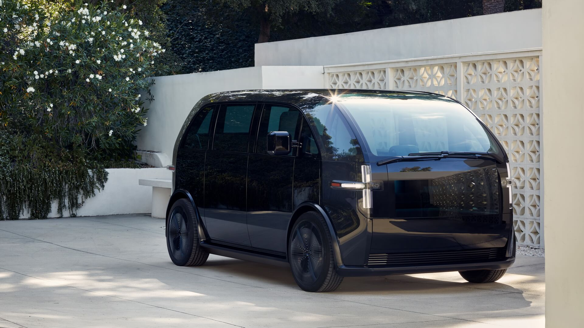 Стартап Canoo предложит электромобиль за абонплату