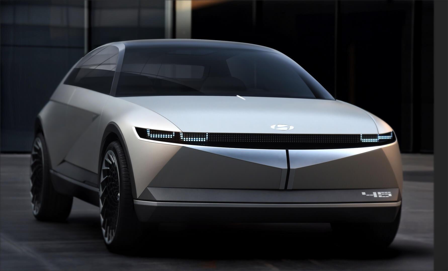 Концепция ретро электромобиля Hyundai «45»